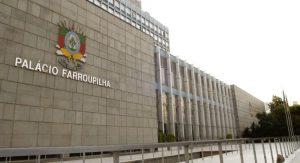 Deputados ingressam com ação para barrar pensões dos ex-governadores