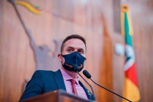 CCJ conclui aprovação de projetos que barram o auxílio-saúde para Judiciário, MP e Defensoria