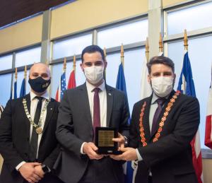 Deputado entrega Medalha da 55ª Legislatura para a Ordem DeMolay
